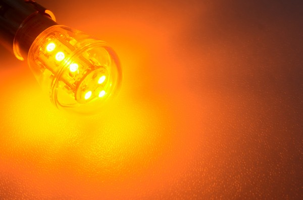 BA15S LED-Miniglobe LED15G25BASLge Niedervolt DC-kompatibel (gleichstrom-fähig) Gelb Signallampe. Einsetzbar im Spannungsbereich: 10-18V AC
